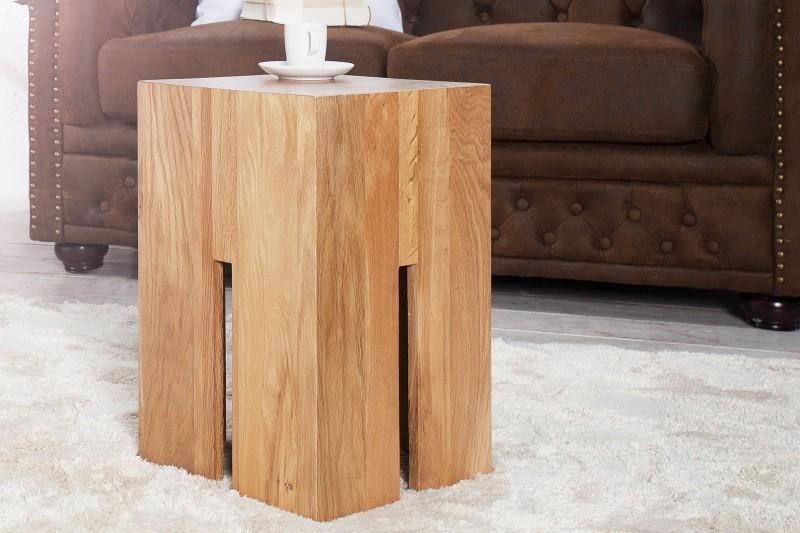 b58c90011dd4 Stolík z masívneho dubového dreva CASTEL OAK.