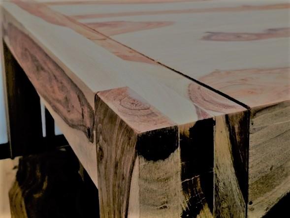 75cceda490e57 Jedálenský stôl z masívu SHEESHAM WOODY 200. Masivny nabytok.